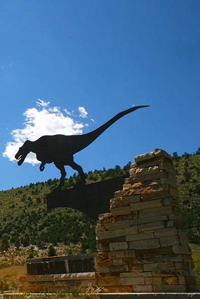 Picture of Dinosaur Ridge Main Visitor Center allosaurus sign