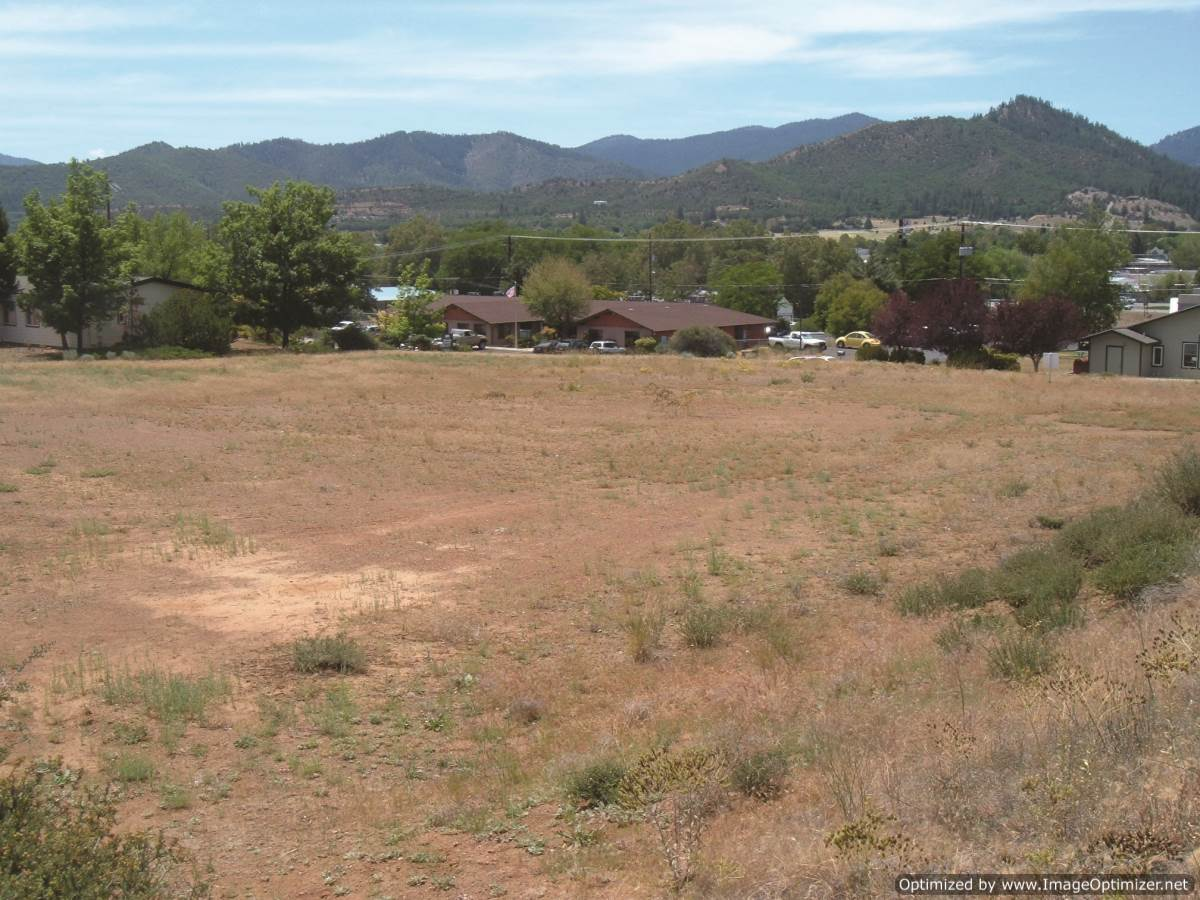 Executive-court-yreka-ca-land-for-sale