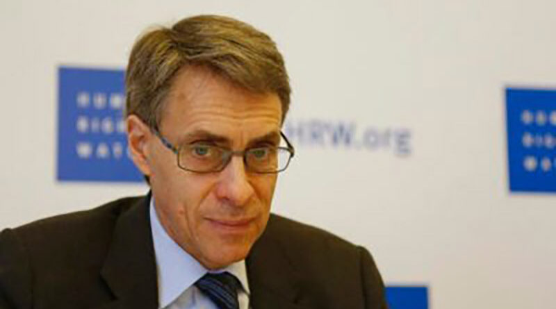 Human Rights Watch Executive Director Kenneth Roth attends a conference in Beirut