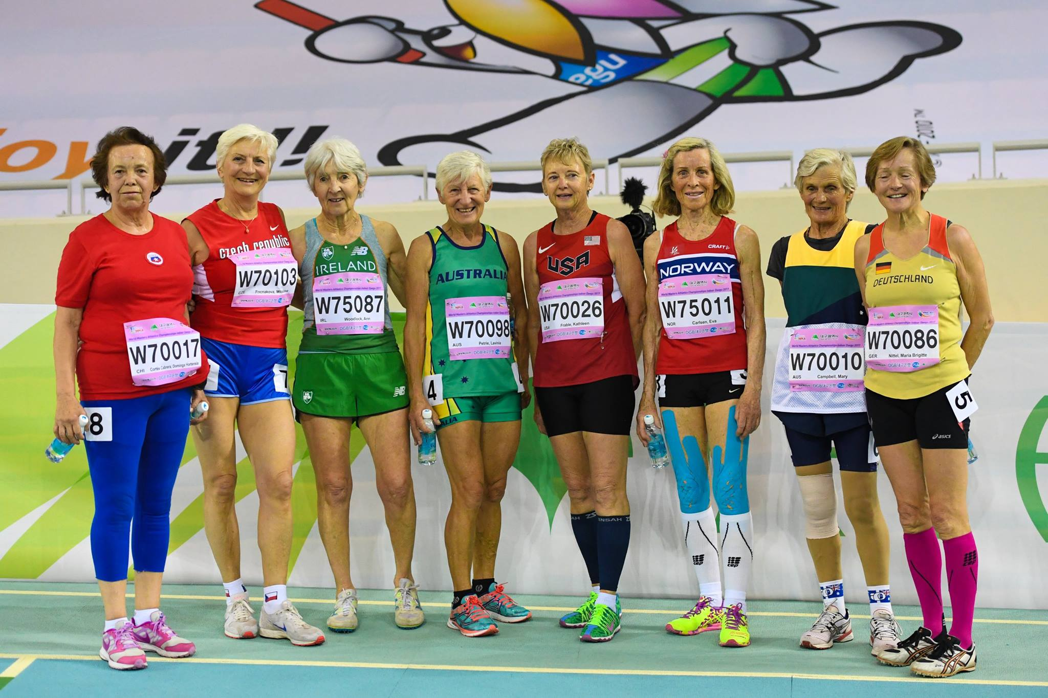 kathy-frable-2017-world-masters-athletics-daegu-group-shot-photo-by-rob-davellar