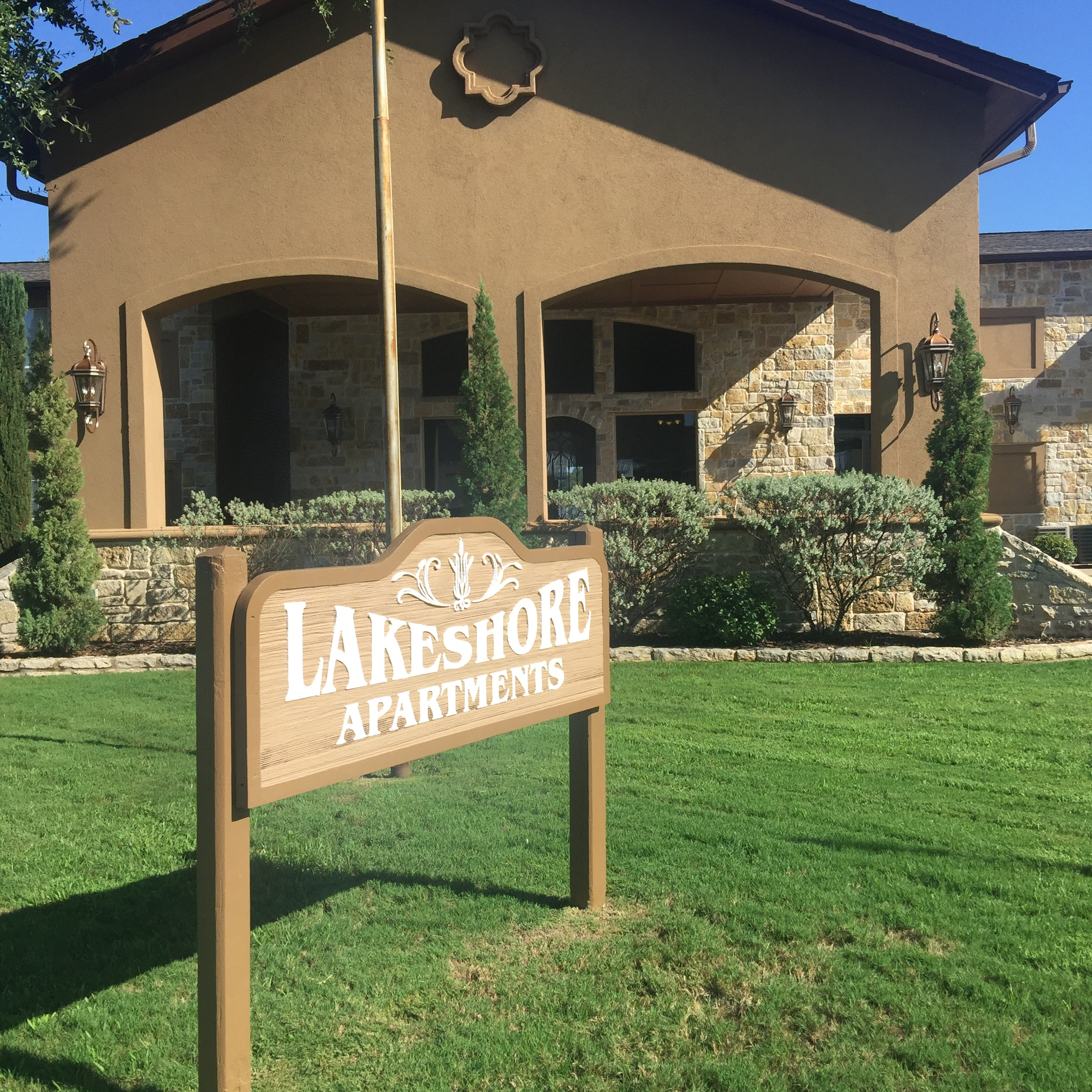 lakeshore_-front-office-sign-2