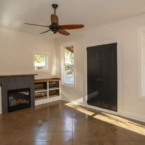 c8995624-a1a3-468c-8c88-cae95b27c3e7Living-Entry-area-1