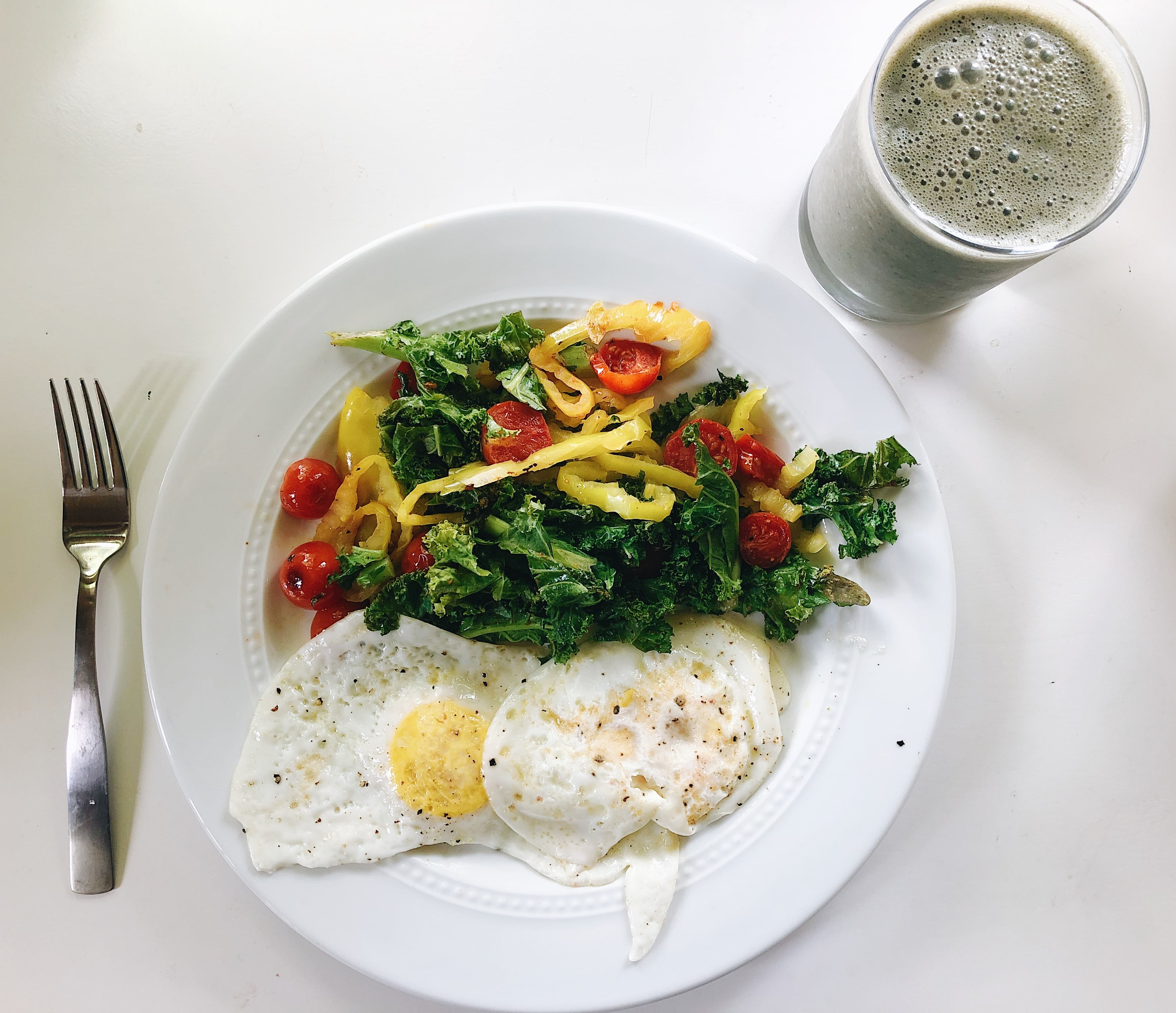 Eggs Kale Banana Peppers Tomatoes and Daily Greens Detox Smoothie