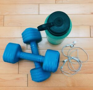 Blue weights water bottle headphones