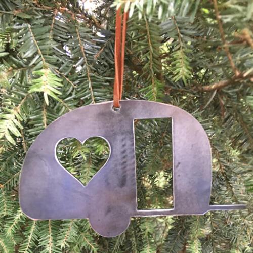 camper-ornament