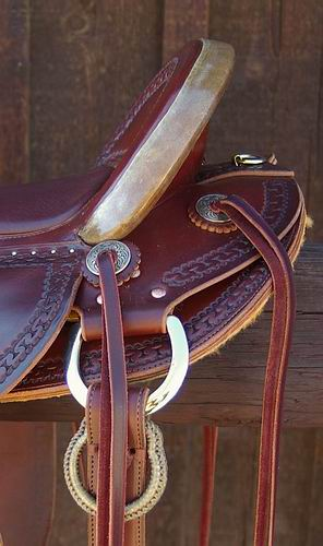 Dale Schmidt XW Walnut Stock Saddle