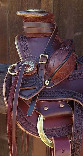 Dale Schmidt XW Walnut Stock Saddle