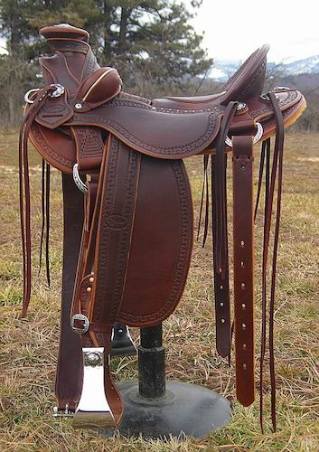 Robin Kirwin XW Walnut Stock Saddle