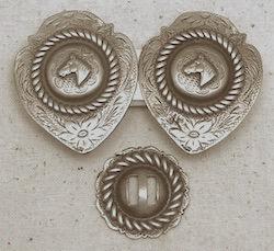 DG Horse Shield Loop Concho