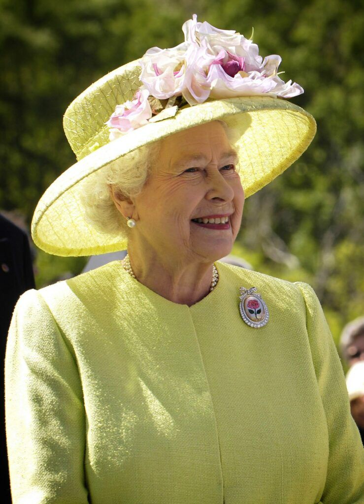 Map of The United Kingdom & Travel Guide, The Queen