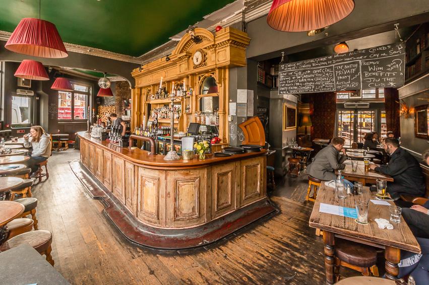 The Stag Pub,  family friendly pubs, kid friendly pubs