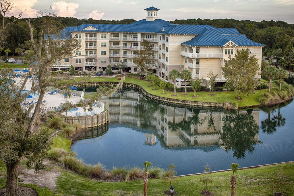 Bluewater by Spinnaker Resorts Front