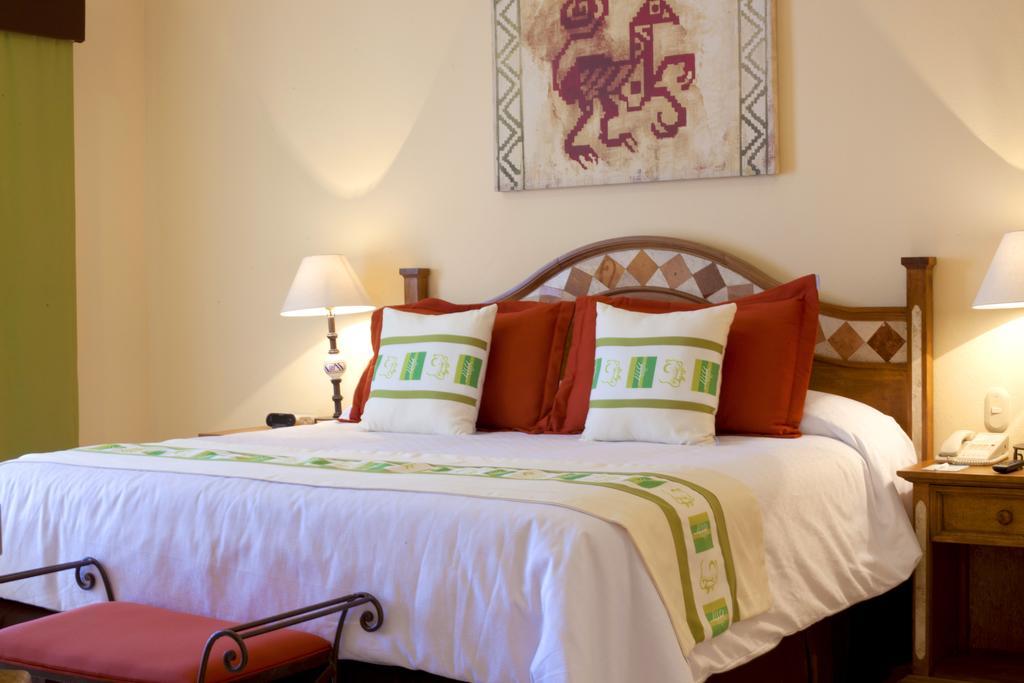 Villa Del Palmar Flamingos Beach Resort & Spa Bedroom