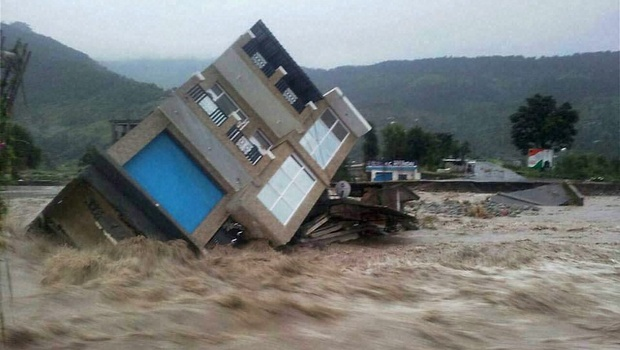 Photo of Kashmir's killing floods – playground for journalists