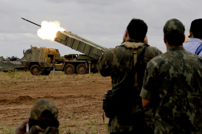 Photo of Brazilian Navy tests new rocket launcher during its Operation Formosa