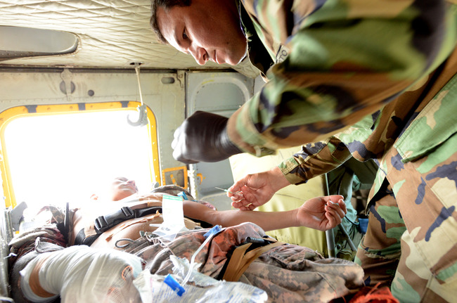 Photo of U.S. medics train Paraguayan Forces in combat casualty care