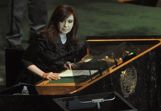 Photo of Cristina Kirchner/Macri dispute Buenos Aires province Senate seat
