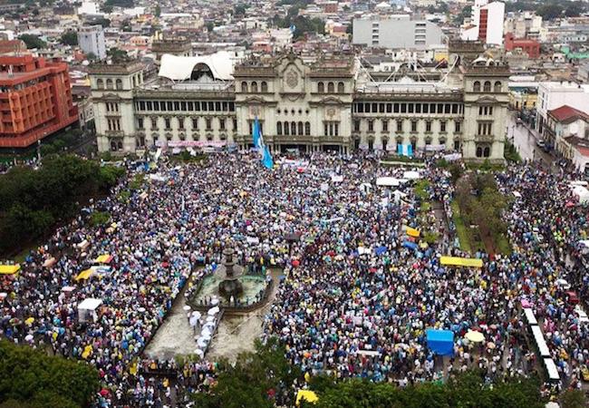 Photo of Massive turnout in Guatemala demanding president Perez Molina steps down