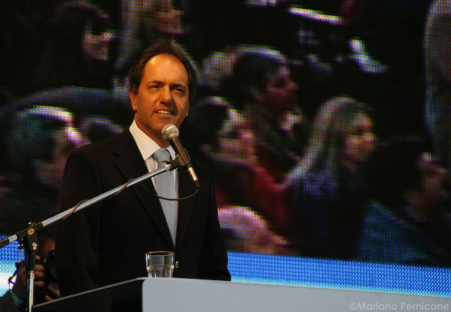 Photo of Scioli with best chances of becoming Argentina's next president, if the runoff is with Macri