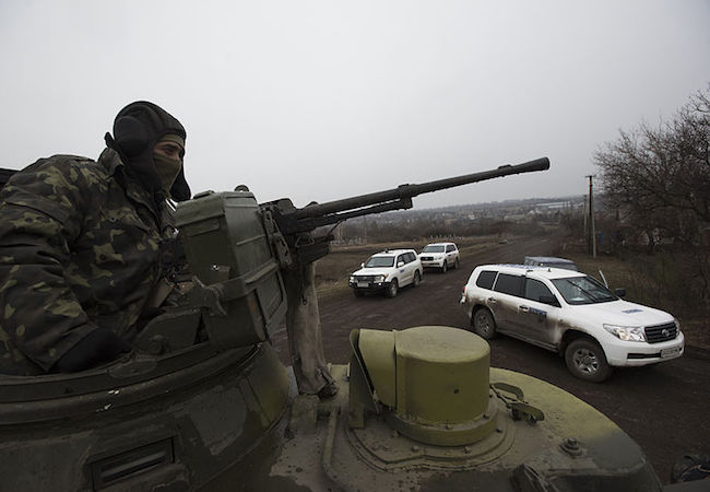 """Photo of Situation in eastern Ukraine remains """"volatile"""" after 2 years of conflict: UN report"""
