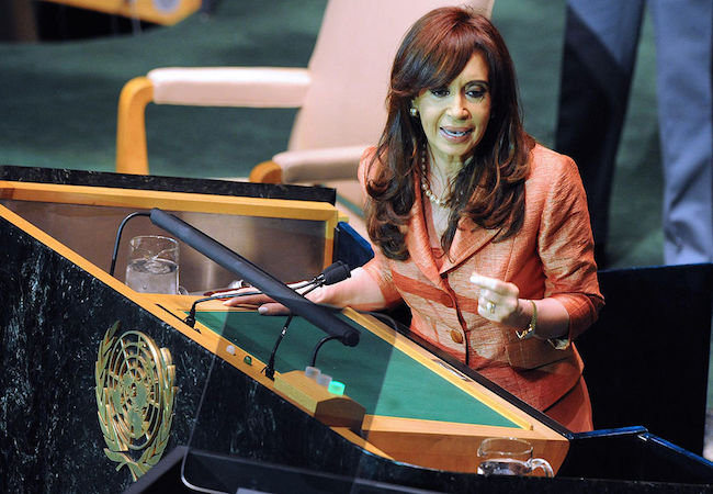 Photo of Cristina Fernandez points her guns to the US and 'vulture funds', but no word on the Falklands