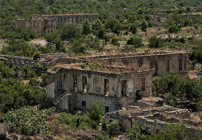 Photo of Armenia-Azerbaijan conflict: walking a tightrope