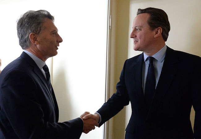 Photo of UK position on Falklands remains as expressed by 2013 referendum, Cameron tells Macri