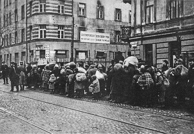 Photo of Poles saving Jews in Bangkok: History lesson for humanity