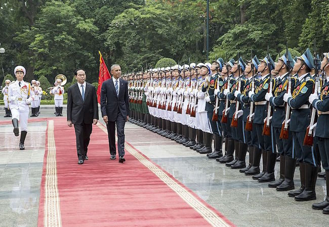 Photo of USA lifts arms embargo on Vietnam