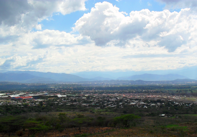 Photo of Colombia – Venezuela encirclement and unilateral border closure