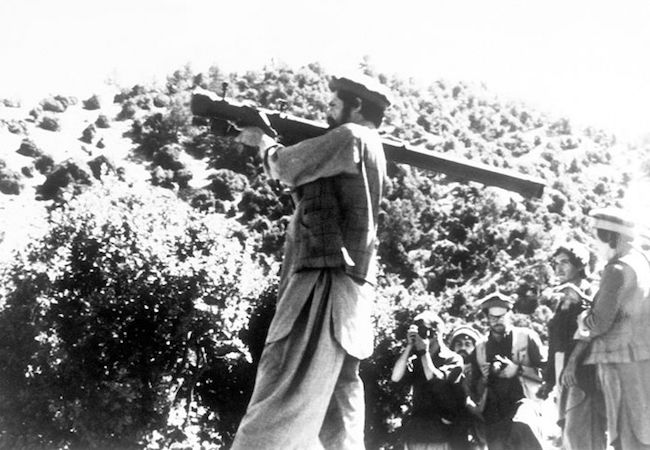 A mujahideen resistance fighter shoots an SA-7, 1988. (Photo: Courtesy of WikiCommons)