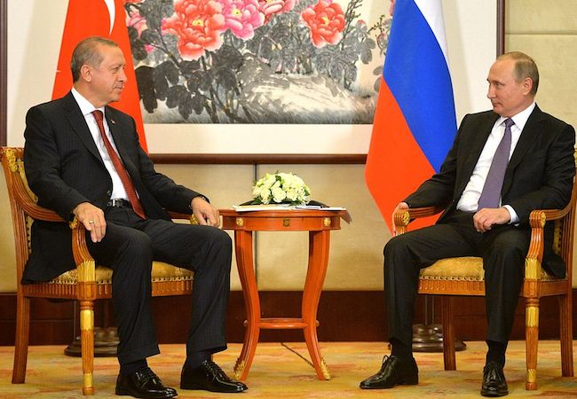 Photo of Russia and Turkey sign gas pipeline deal to benefit Europe