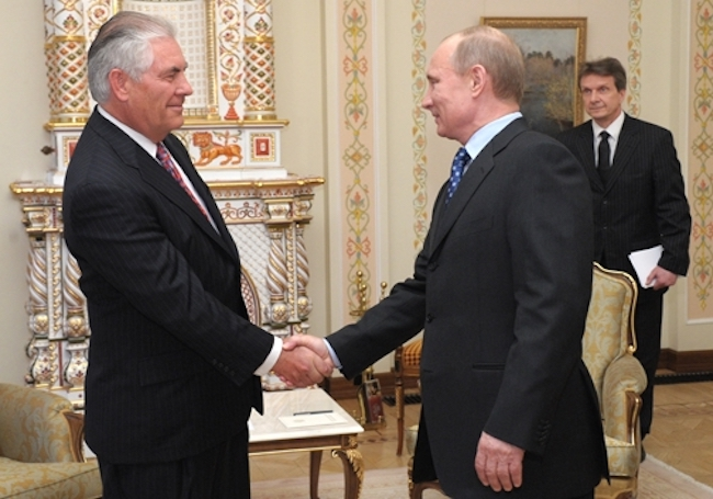 Photo of Donald Trump picks businessman Rex Tillersonas his foreign minister to improve ties with Russia