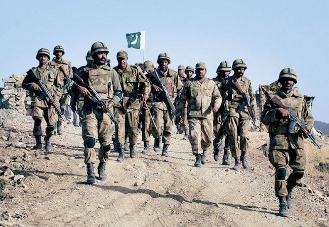 Photo of Book review of 'The Line of Control: Traveling with the Indian and Pakistani Armies'