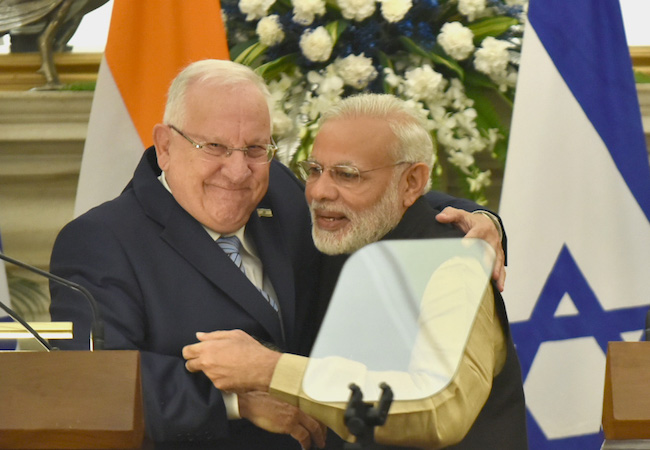 Photo of Modi's strategic embrace of Netanyahu doesn't augur well for the Muslim Middle East