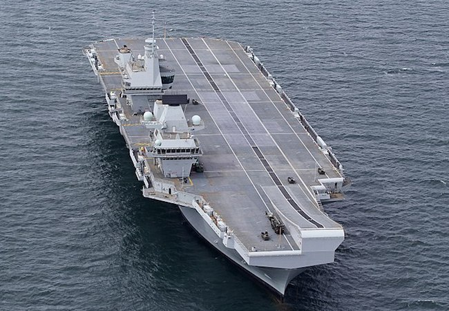 Photo of Royal Navy's largest ever vessel leaks: some 200 liters of water per hour