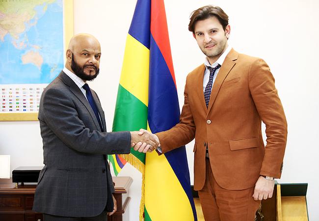 Photo of Ambassador Latona of Mauritius to Saudi Arabia and Alexander Woodman discuss Saudi-Mauritius relations