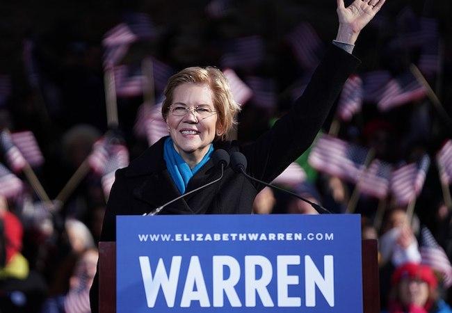 Photo of Senator Warren calls for impeachment of Trump