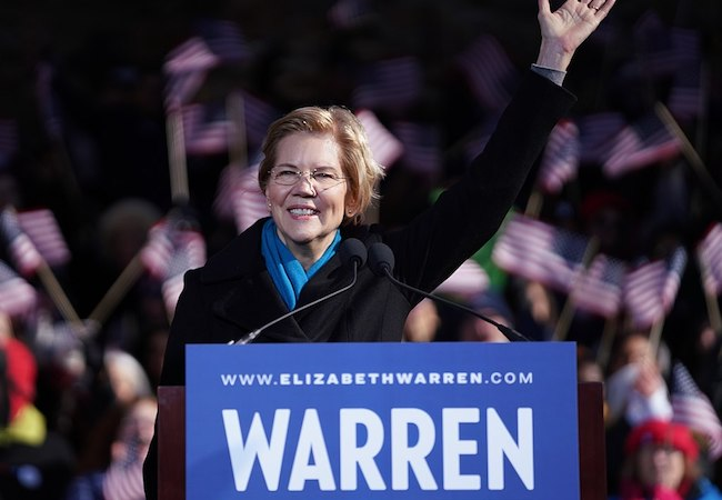 Photo of Senator Warren calls for impeachment of Trump