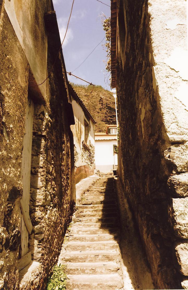 Porta da Cruz, Madeira
