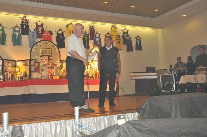 Mike Robertson receives a special Lifetime Achievement Award. Roland Billings on the left, Mike Robertson on the right.