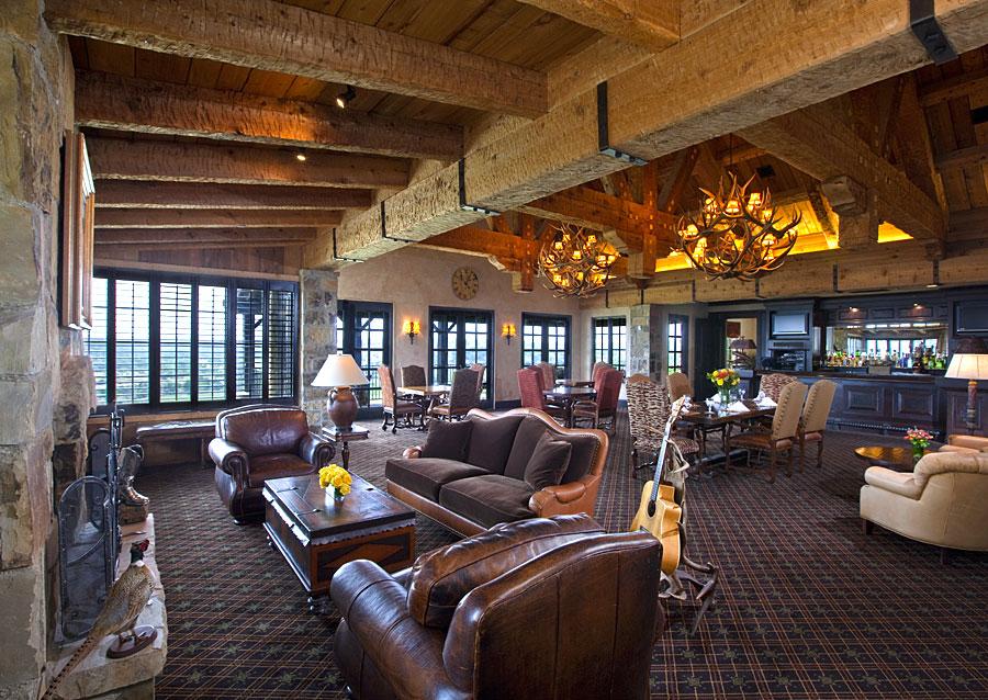 golf clubhouse men's locker room lounge