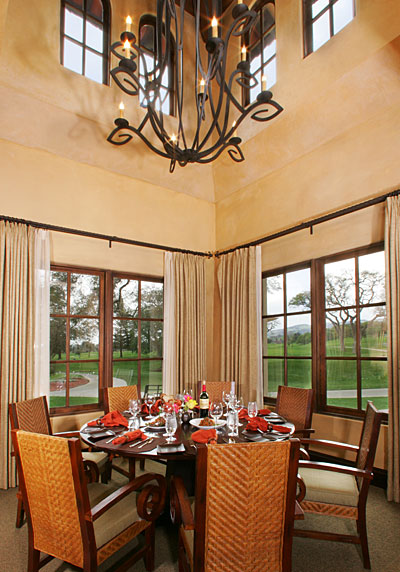 golf clubhouse dining room