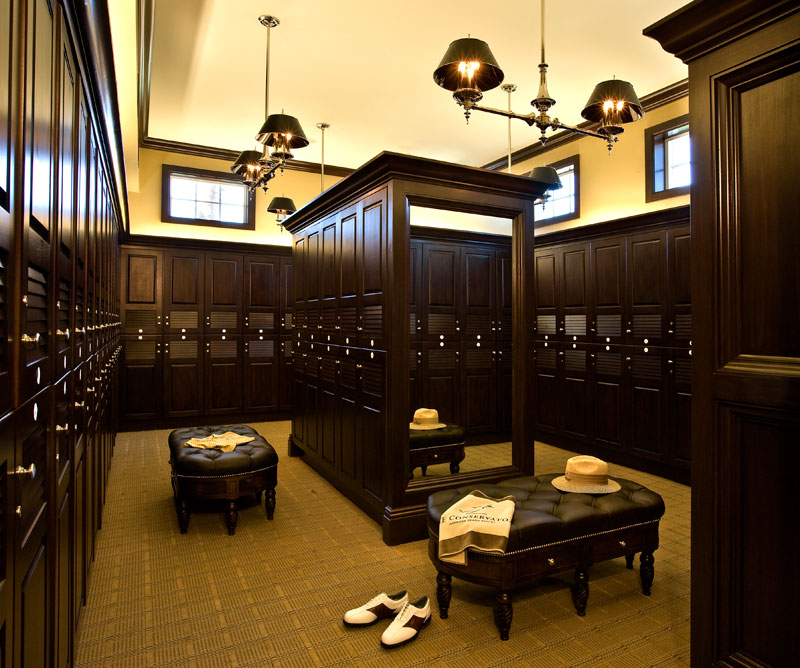 golf clubhouse men's locker room