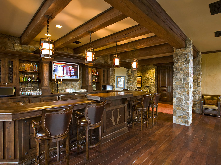 golf clubhouse locker room lounge and bar