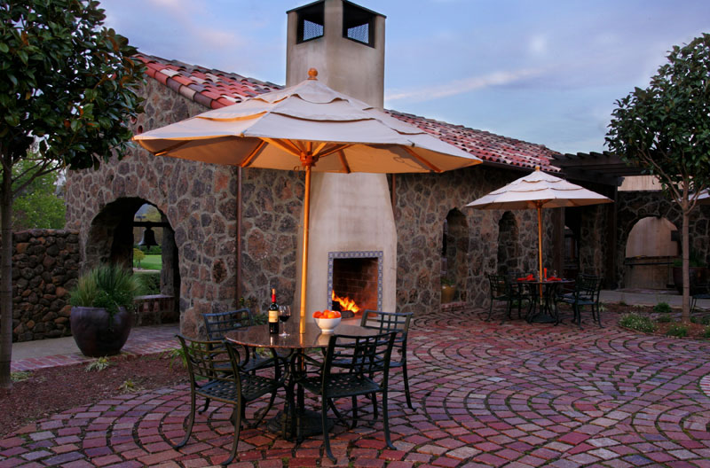 golf clubhouse courtyard terrace