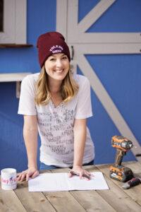 Lindsey Mahoney runs the home improvement and design blog called Building Bluebird