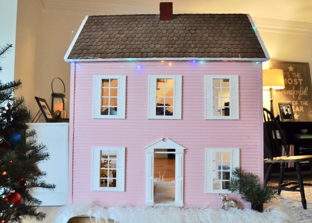 Dollhouse transformation with Christmas lights