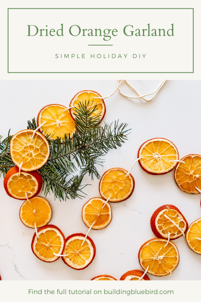 Try this simple DIY to add natural elements into your holiday decor #holidaydecor #sustainableliving #orangegarland #christmasdecorations #christmas