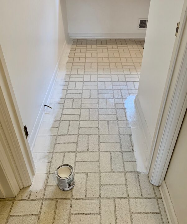 How to paint old linoleum floors